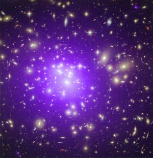 Galaxies Cluster Abell 1689 (Source Chandra)